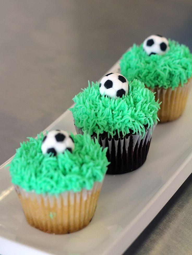 """Mariage - Edible Soccer Ball Toppers 1""""  #24 toppers"""