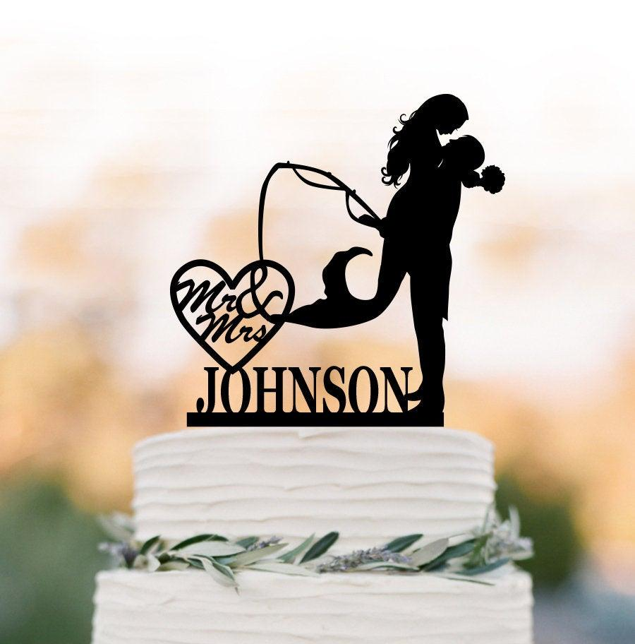 Mariage - personalized Wedding cake topper Fishing, mermaid wedding cake topper, mr and mrs cake topper, Fisherman cake topper, groom lifting bride