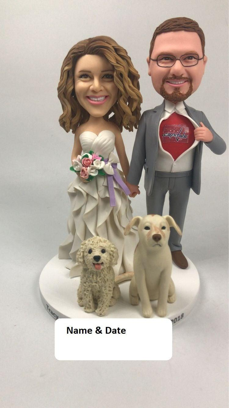 Mariage - Wedding Cake Topper Personalized Wedding Cake Topper With Pets Pet Wedding Cake Toppers Custom Wedding Cake Topper With Pet Cake Topper