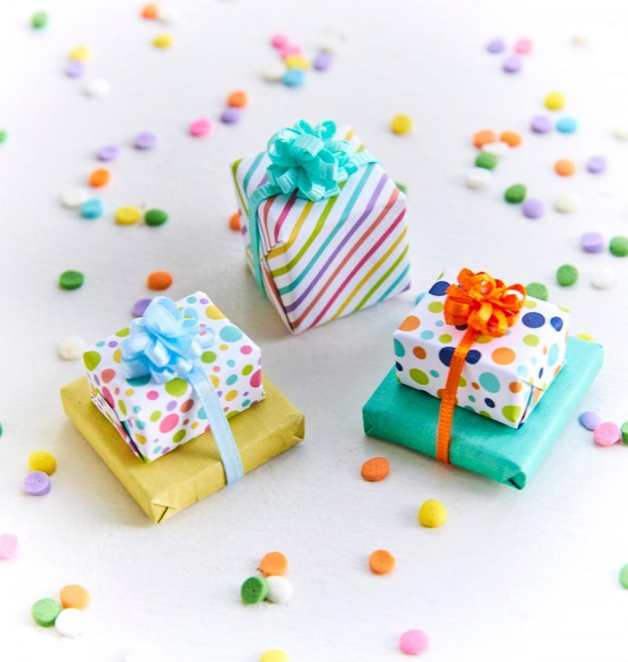 Свадьба - Build your own Animal cake topper//miniature presents//miniature cotton candy//mini lollipops//mini donuts// glue-on miniature party hats