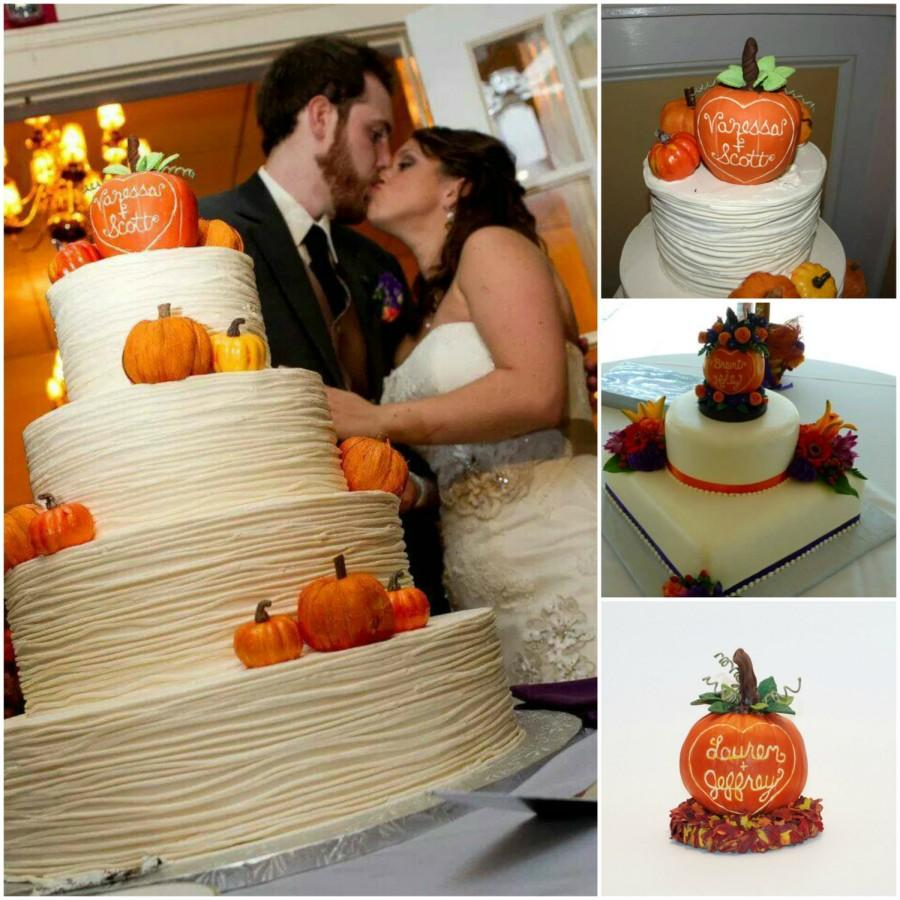 Свадьба - Pumpkin Wedding Cake Topper Keepsake - Plain or With Flowers