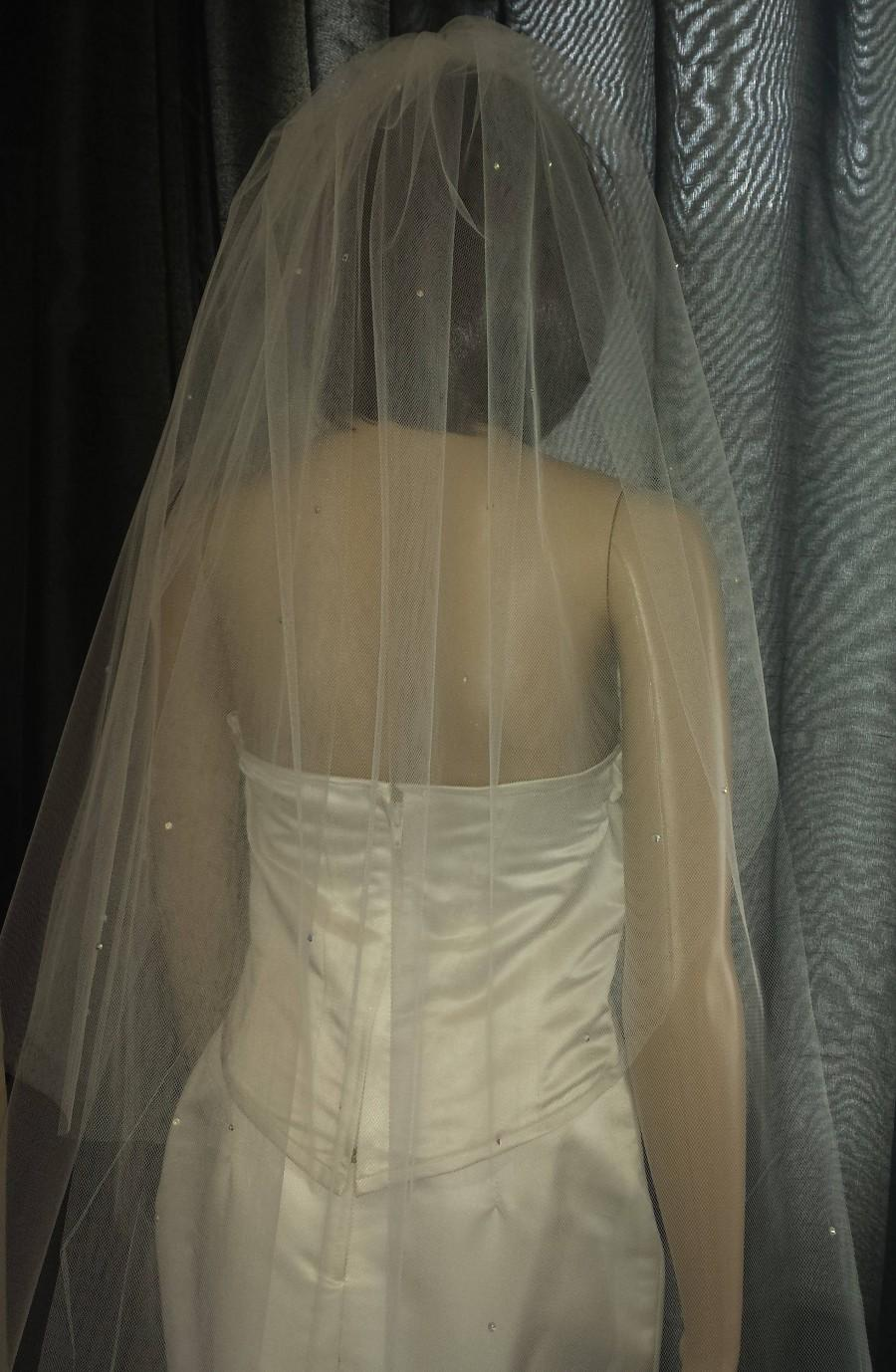 "Свадьба - Pale Ivory Wedding veil chapel length 2 tiers 30""/ 90"" scattered with Diamante Rhinestones. Choice of width FREE UK POST"