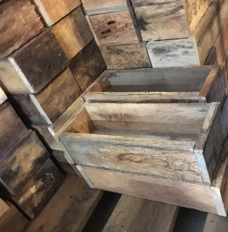 زفاف - Wooden box (Fits 3 pint jars) to use as wood candle holder, wedding centerpiece, reclaimed wood decoration