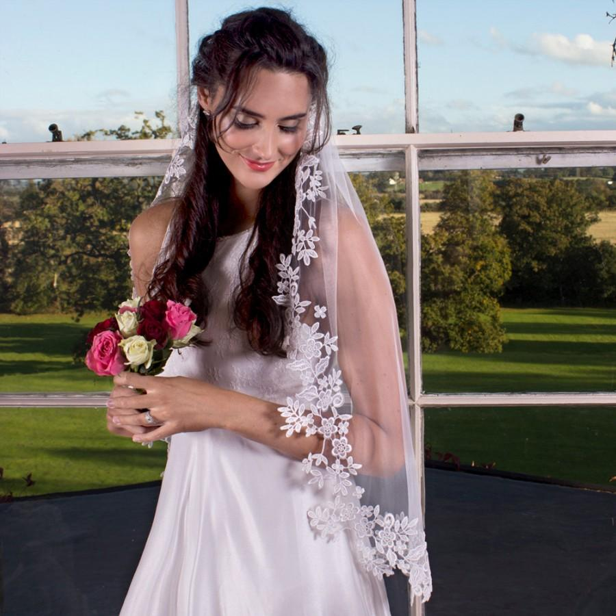 Wedding - Guipure Boho bridal veil, the finest soft tulle and a delicate handstitched flower and leaf guipure, Bridal veil, Bridal accessories