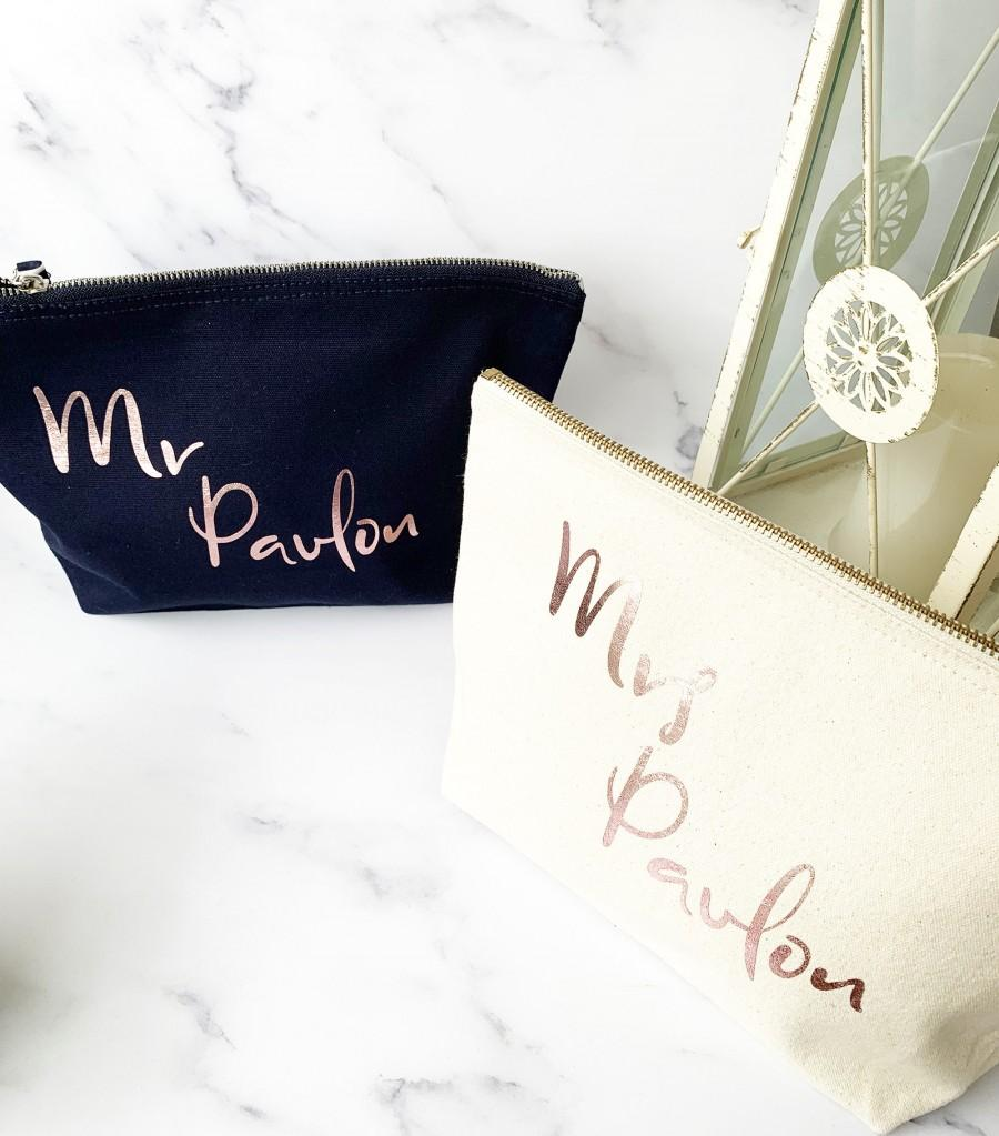 Wedding - Honeymoon Mr & Mrs Wash Bags