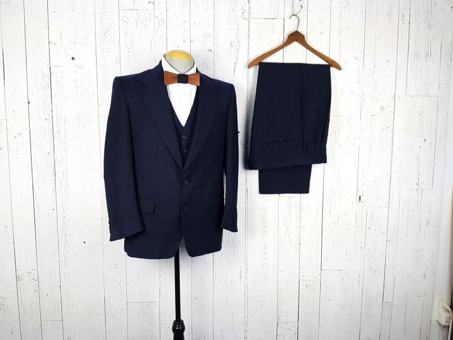 Hochzeit - Vintage 80s Three Piece Suit Navy Blue Stripe 40R 40 Regular Jacket Waistcoat Vest 34x30 Pleated Trousers Pants Retro Wedding Prom Wear