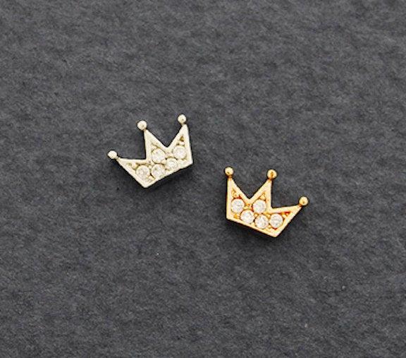 Hochzeit - CZ Crown cartilage earring, tiara tragus earring, helix conch piercing, dainty cartilage piercing, silver cartilage rose gold stud earrings