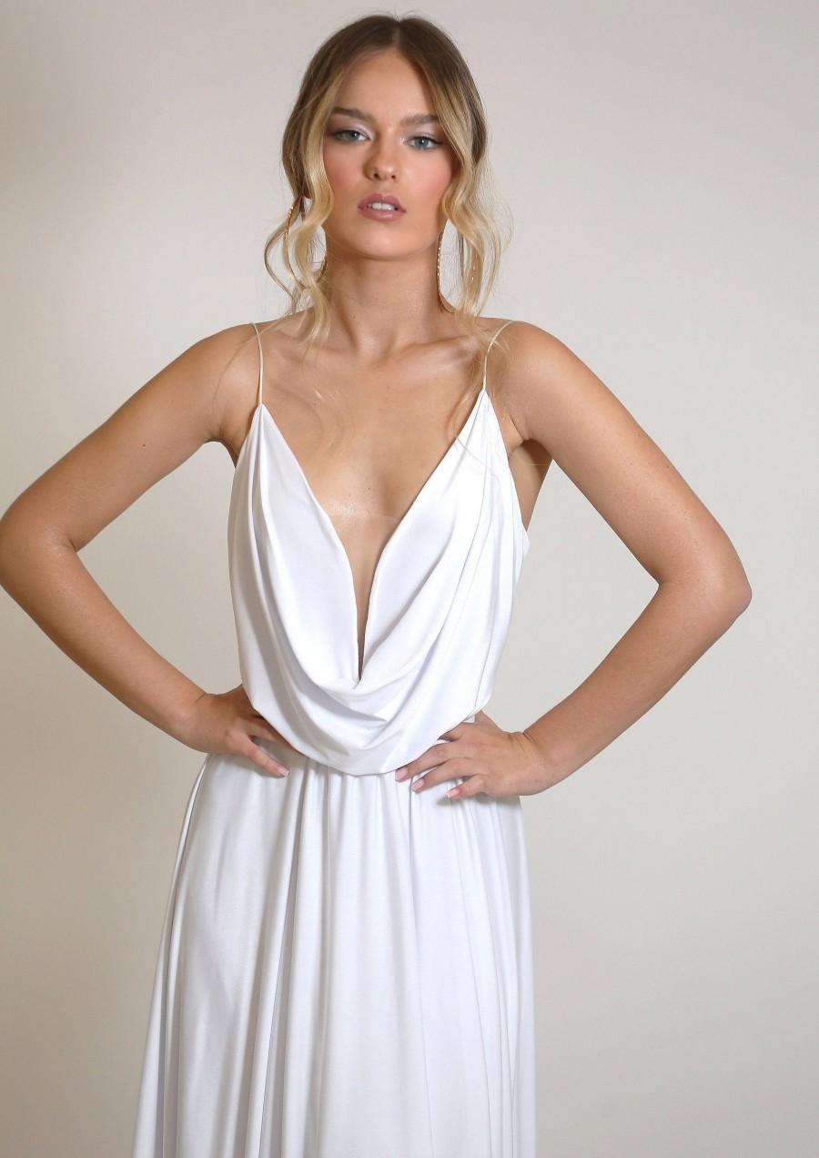زفاف - Wedding dress, plunge neckline wedding dress, unique wedding dress with open back and full circle skirt, simple and stunning wedding dress