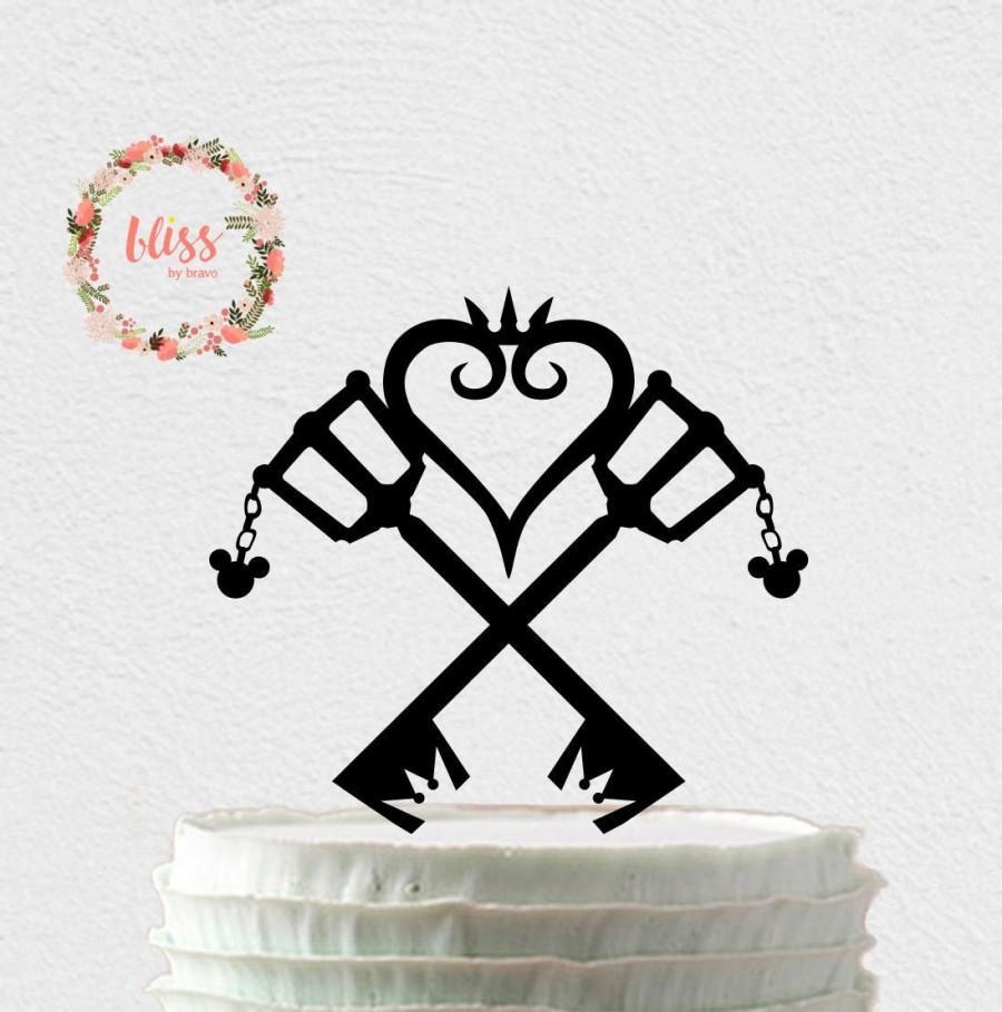 Hochzeit - Kingdom Hearts Cake Topper. Keyblade Inspired. Kingdom of Hearts Inspired Wedding. Keyblade Cake Topper. Mr & Mrs Cake Topper.
