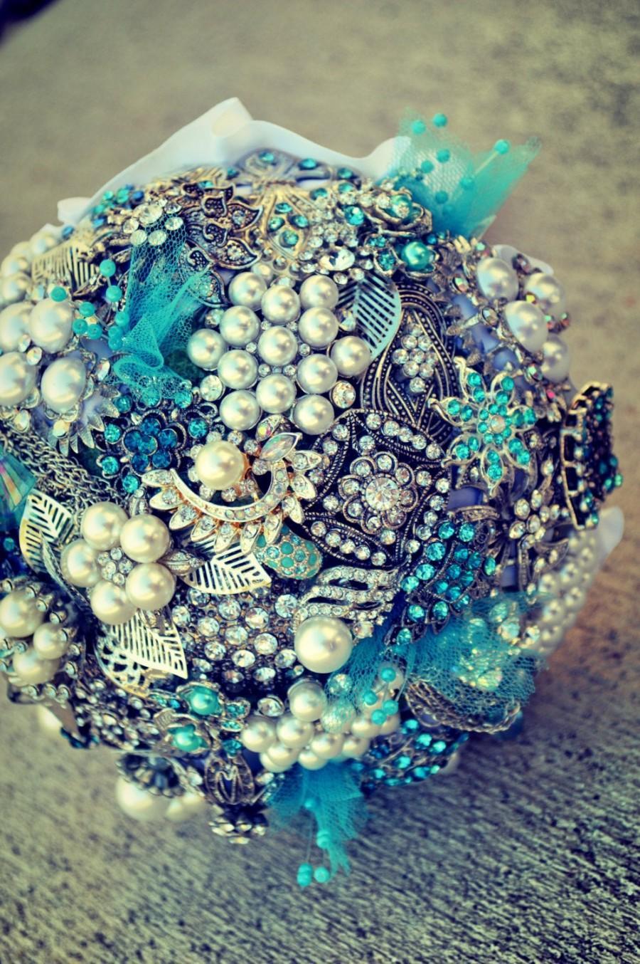 Свадьба - DEPOSIT for Custom Aqua Blue & White Pearl Brooch Bridal Wedding Bouquet