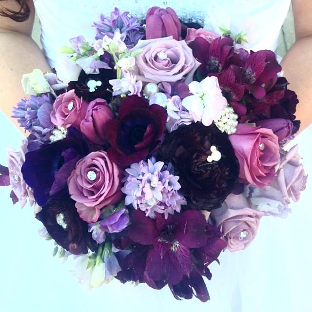 Свадьба - Disney Wedding Flower Pin 6 Hidden Mickey Mouse Ears Bouquets-Centerpieces-Boutonnieres Flower Picks Floral Pins Flower Posts Bridal Flowers