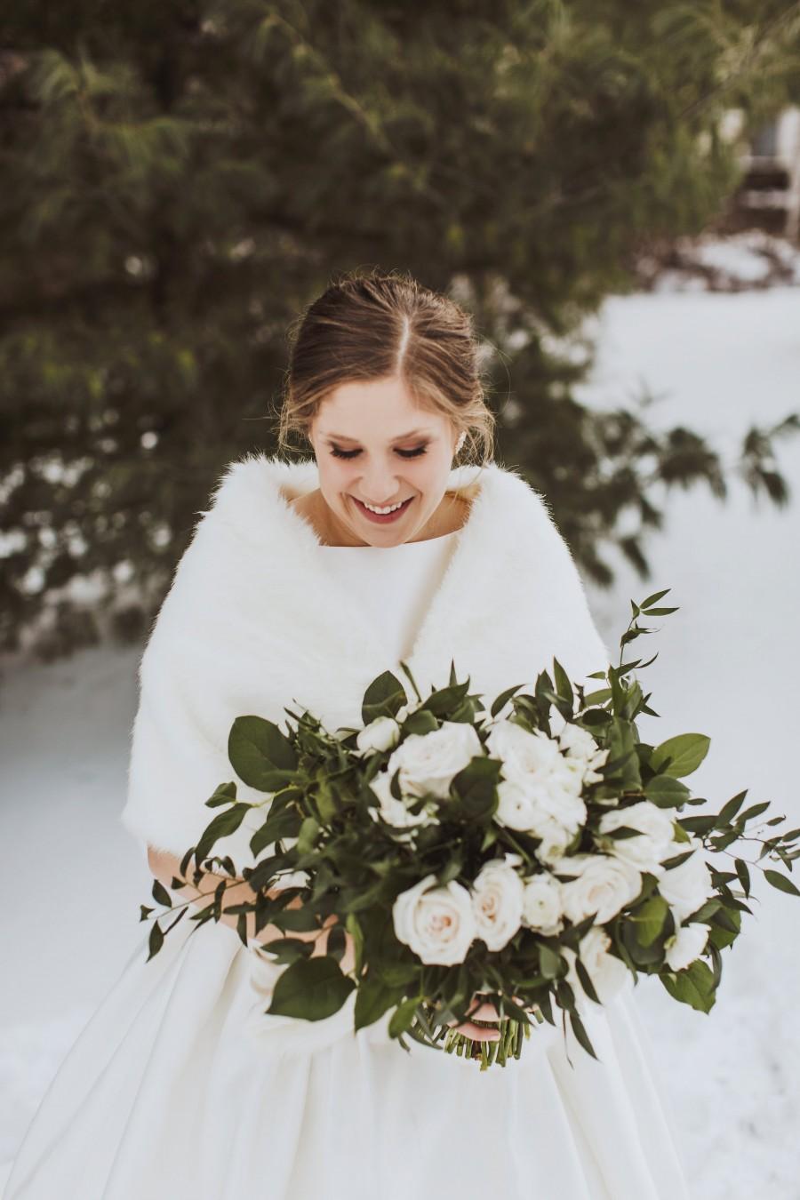 Свадьба - Ivory faux fur bridal wrap, Wedding Fur shrug, Fur Wrap, Bridal Faux FurStoleFur Shawl Cape,wedding faux fur wrap (Butterfly Ivy03)