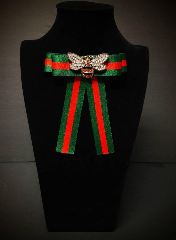 Свадьба - Inspired Bow Brooch 008 - Womens  Bow Tie - Red Green Striped Ribbon Bee Insect Pin - Mothers Day Birthday Gifts for Her