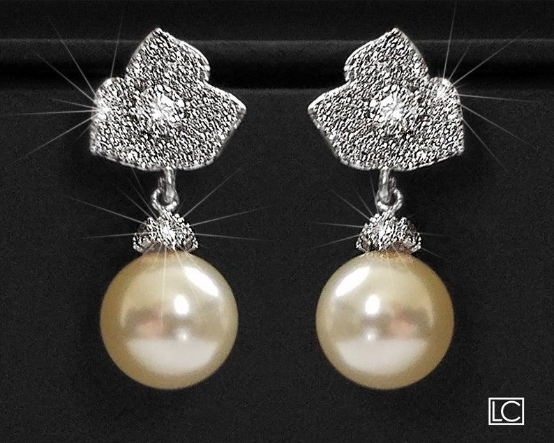 Wedding - Pearl Bridal Earrings, Trillium Flower Silver Earrings, Swarovski 10mm Pearl Earrings, Ivory Pearl Floral Stud Earrings, Wedding Earrings