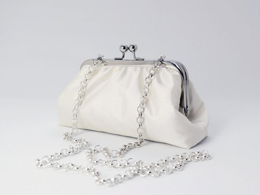 Свадьба - Small silk bridal bag with chain & temple clasp in 50s vintage style for your retro wedding; many silk colours to choose from
