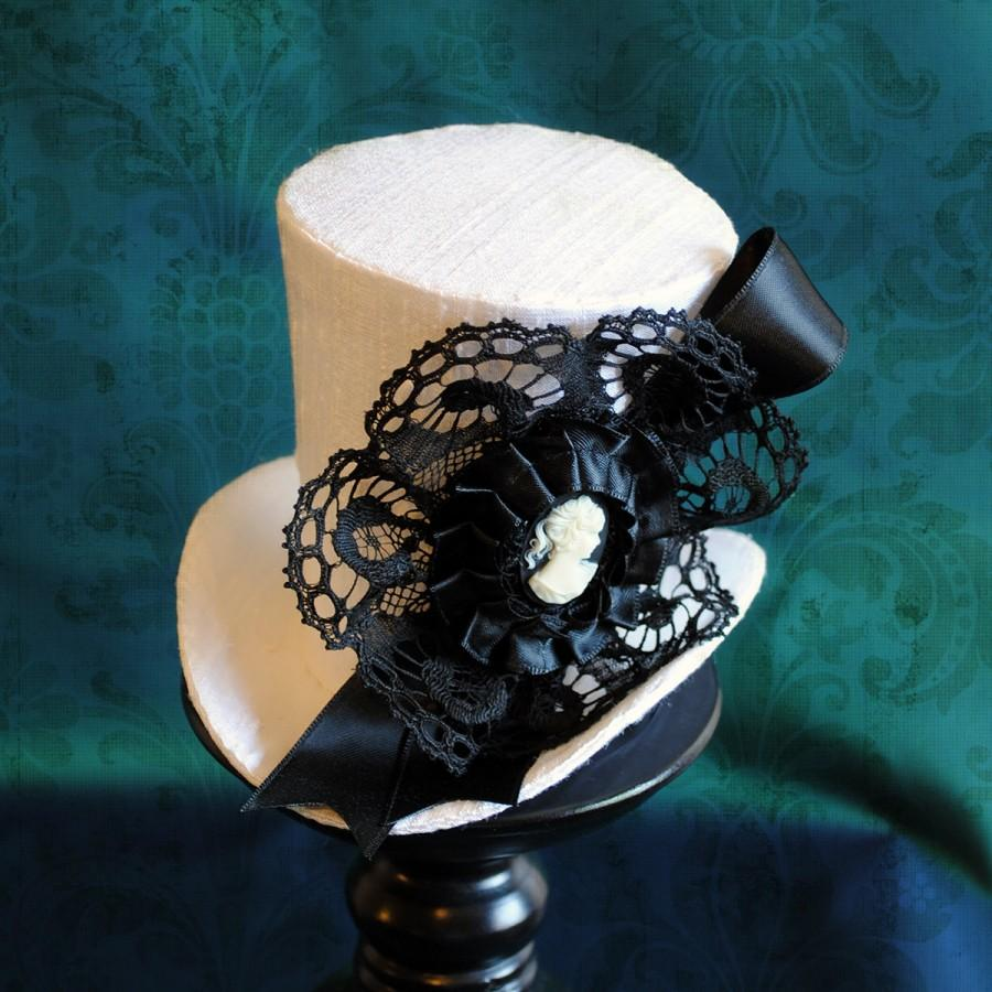 Wedding - Victorian Bridal Mini Top Hat in White,Wedding Decor,White Gothic Fascinator Hat,Steampunk Tea-Party Mini Hat-Made to Order