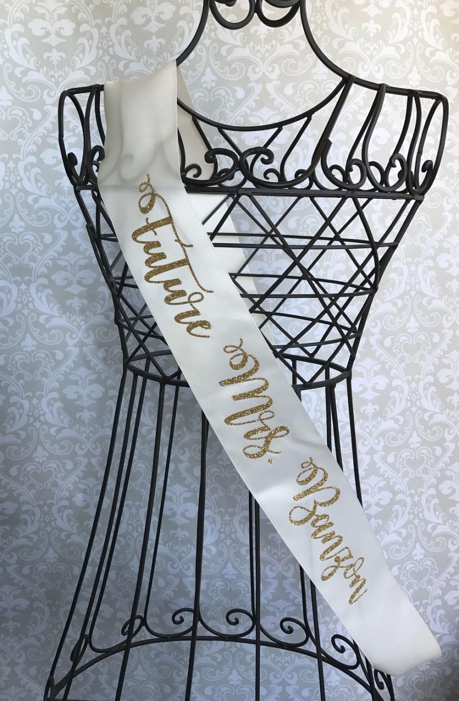 Mariage - Curly Cursive Future Mrs Bridal sash great for bachelorette and bridal showers