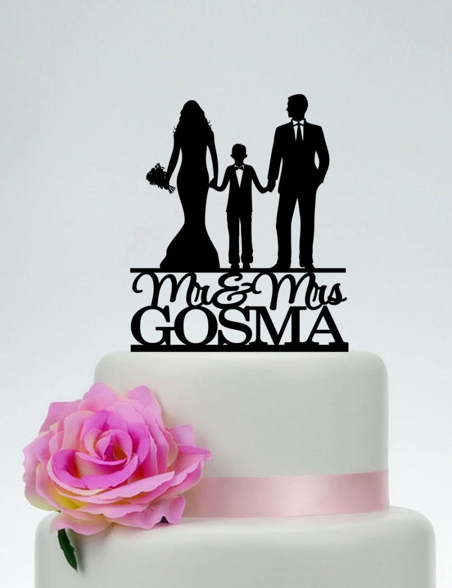 Mariage - Family Cake Topper,Bride and Groom with little boy Cake Topper,Couple with child, Wedding Couple with Son, Custom Cake Topper C192