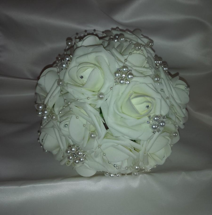 Свадьба - Wedding Bridal Brooch Bouquet Ivory. Diamante crystal rhinestone and pearl brooches. Ivory foam roses. Brides or bridesmaids bouquet