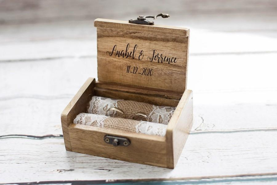 Mariage - Personalized wedding ring box, Rustic Ring Bearer Box, Engraved ring box, Our adventure wedding box, Proposal Engagement box Ring Holder