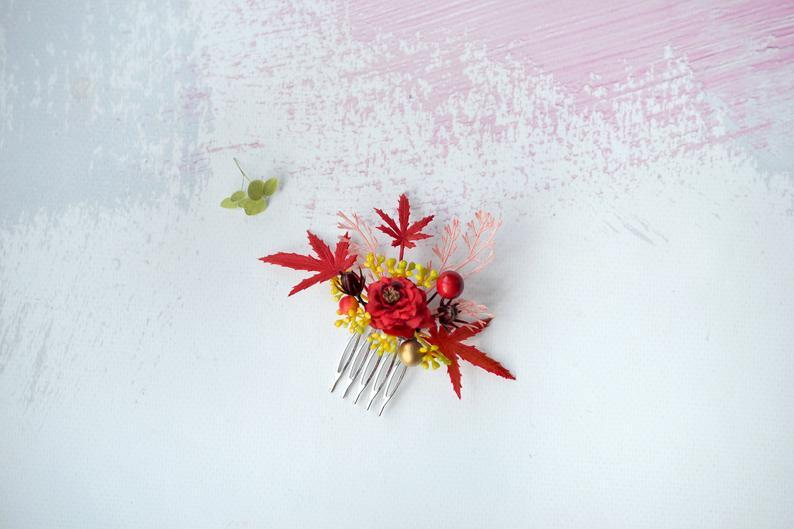 Mariage - Red yellow flower comb, woodland hair comb, Autumn flower headpiece, Fall berry hair comb, Wedding autumn hair bride, Forest comb fantasy