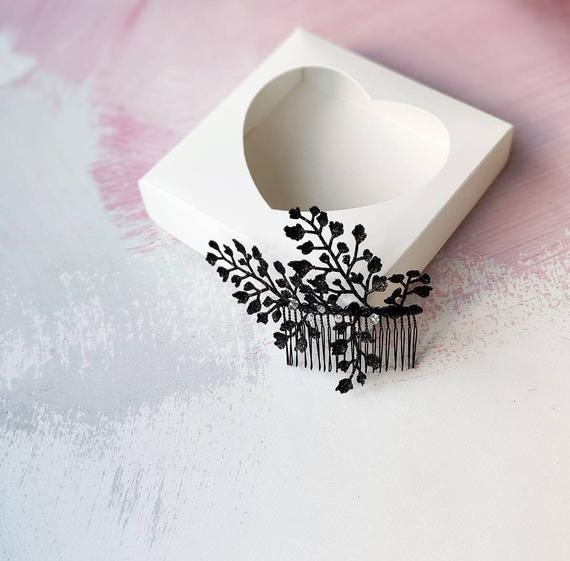 Mariage - Sparkly black hair comb Branch hair piece Black fascinator Crystal black headpiece Black leaves hair comb Gothic wedding