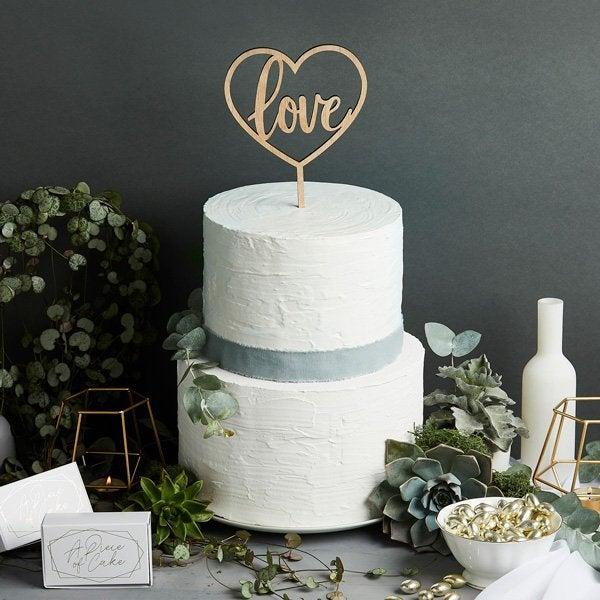 Свадьба - Love Heart Shape Wooden Cake Topper, Wedding Cake Topper, Wooden Wedding Cake Topper, Country Wedding, Boho Wedding, Baby Shower, Engagement