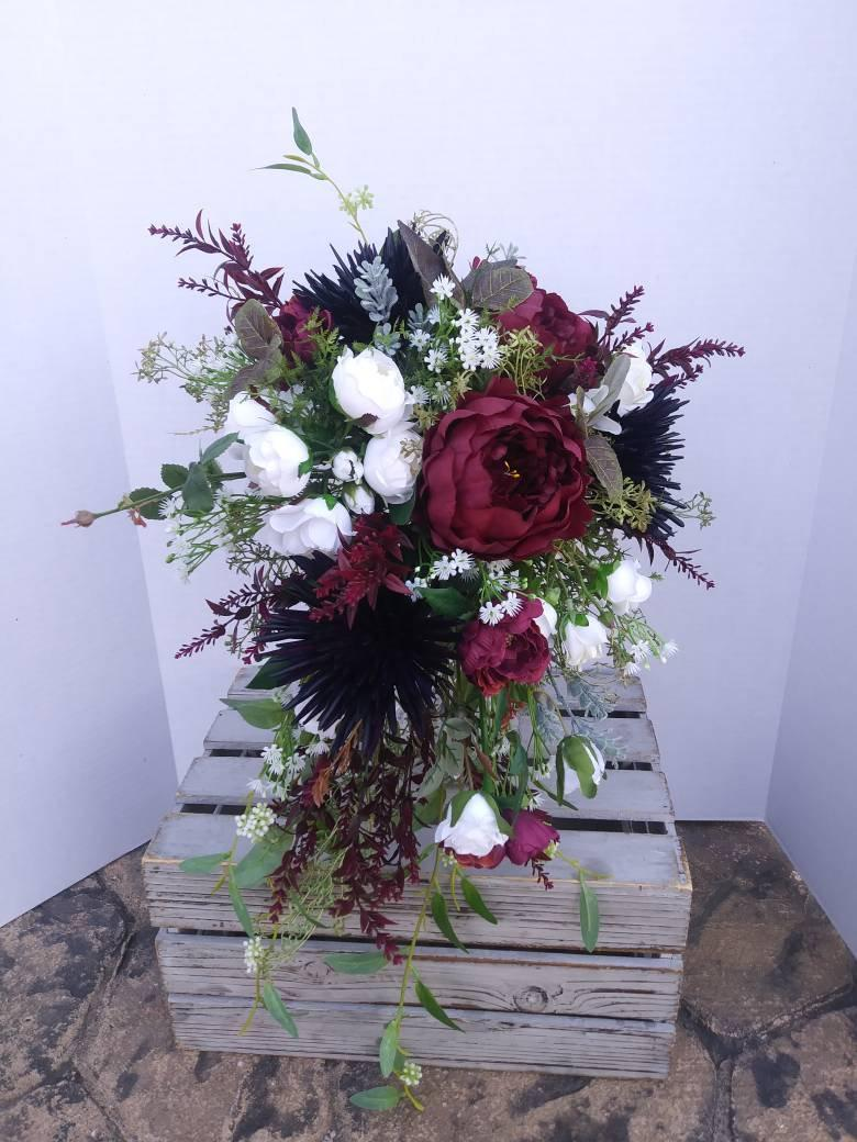 Mariage - Bridal Bouquets, Wedding Bouquet, Wedding Flowers, Artificial Wedding Bouquet, Cascade Bouquet, Silk Flower Bouquet, Navy, Burgundy, White