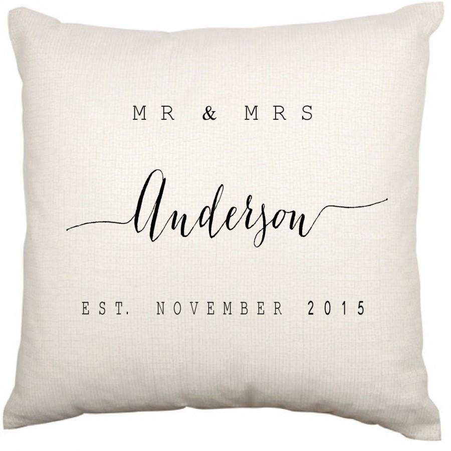 Hochzeit - Personalised Couples Modern Wedding or Anniversary Anniversaries Cushion Cover