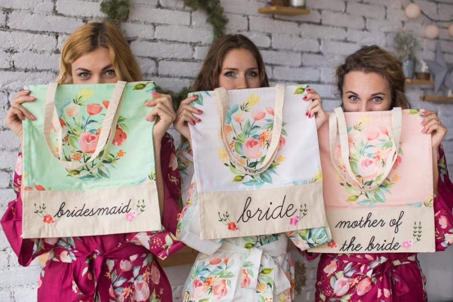 Hochzeit - Floral Tote Bags, Bridesmaids Tote bags, Bridesmaids gifts, Bridal Party gift, Wedding Tote Bags, Monogrammed Tote Bags, Bridesmaids Totes