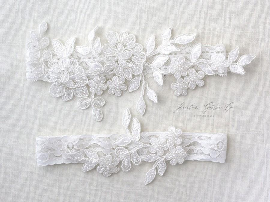 Mariage - Floral Wedding Garter Set NO SLIP grip vintage rhinestones bridal garter, elegant wedding garter set WHITE C104-C104