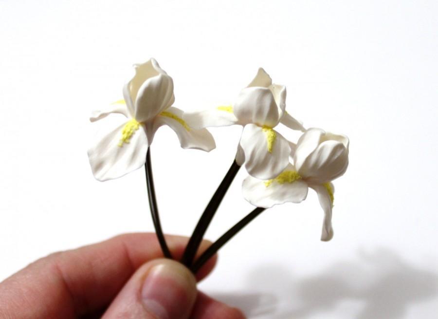 Свадьба - Iris Hair Pins, White Iris Hair Flowers, Iris Hair Clips, Iris Flowers for Hair, Birthday Gift Idea, Wedding Hair Accessories Set
