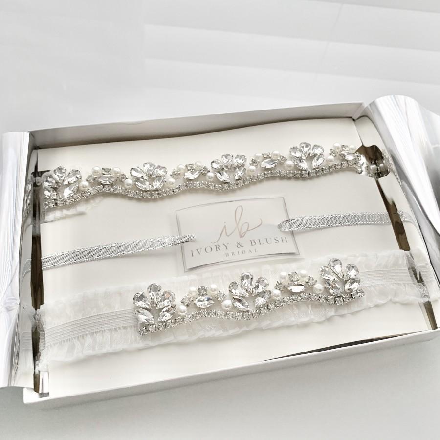Свадьба - White Wedding Garter Set - Wedding Garter Bridal Garter - Style #M0517
