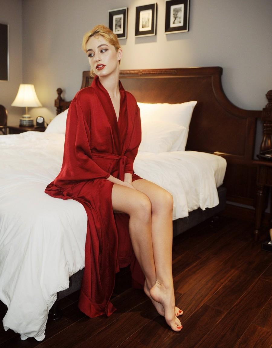 Свадьба - Women Loose Silk robe/ Wide Sleeves Kimonos/ Peignoir/ After bath Robe/ Gift for her/ Wedding/ Bridal Robe/ Bridesmaids/ Sleepwear/ Pajamas