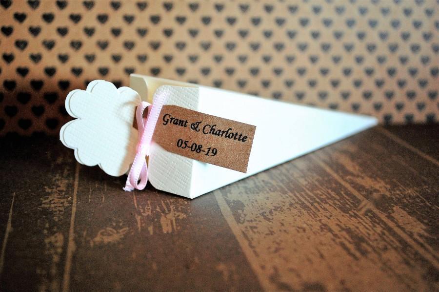 Wedding - 50 Biodegradable Confetti Cones - Wedding Confetti - Throwing Confetti - Real Flower Petals - Ready Made Confetti Cones