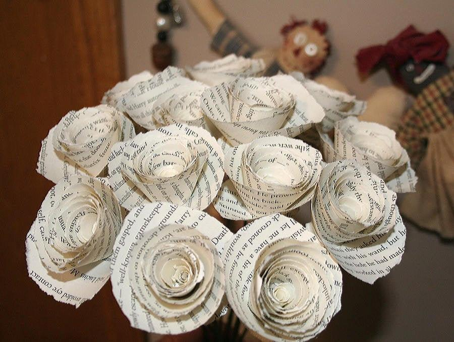Hochzeit - Paper Flowers, Harry Potter, Gift Flowers, Paper Flower Bouquet, First Anniversary, Harry Potter Decor, Book Page Flowers, Ragged Edge