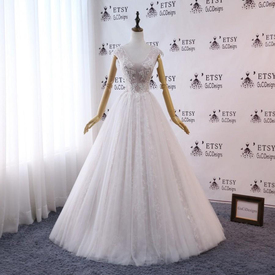 Mariage - GuCiDesigns 2019 Romantic A-line Royal Wedding Dresses White Lace Combine Champagne Top Bridal Gown Lace wedding dresses Boho wedding Gown