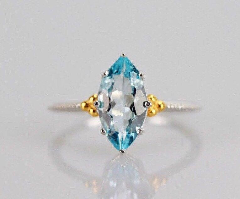 زفاف - Marquise Cut Blue Topaz Ring, November Birthstone Gift For Her, Blue Gemstone Navette Engagement Ring, Sterling Silver Cocktail Dinner Ring
