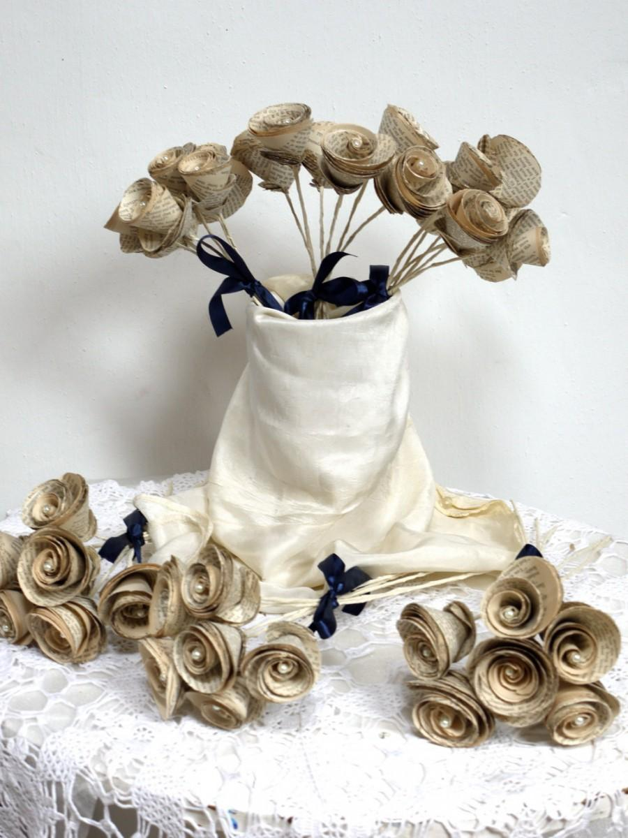 Hochzeit - Words, six bouquets, bridesmaid's bouquet, paper roses, book flowers, upcycled paper decoration, paper flower, wedding