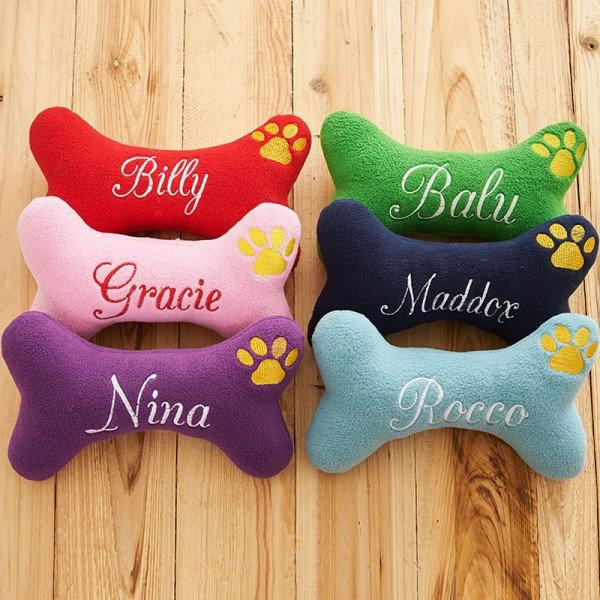 Свадьба - Personalized Dog Toy Dog Bone Shaped Toy With Squeaker, Pet Plushies, Named Stuffed Puppy Toy