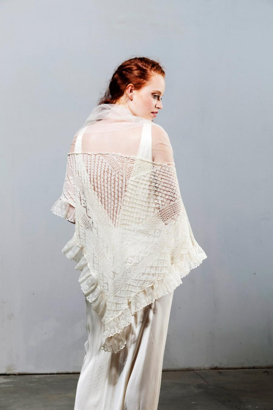 زفاف - Antique Vintage Wedding Shawl - Handmade Knitting with Tender Loving Care or to shine in New Year.