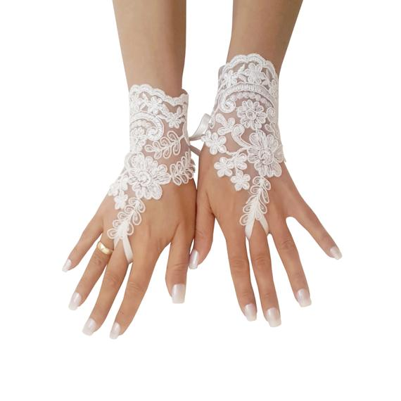 Mariage - Ivory or champagne lace wedding gloves, bridal gloves, lace gloves fingerless, wedding gloves, bridal accessories, beach wedding, classic