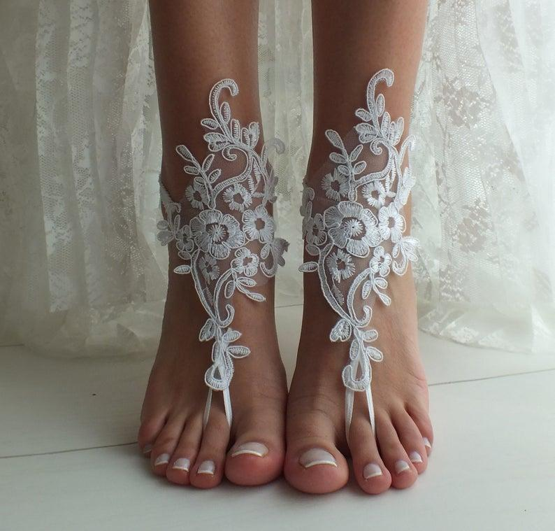 Mariage - White Beach wedding barefoot sandals wedding shoes beach shoes bridal accessories bangle beach anklets bride bridesmaids gift