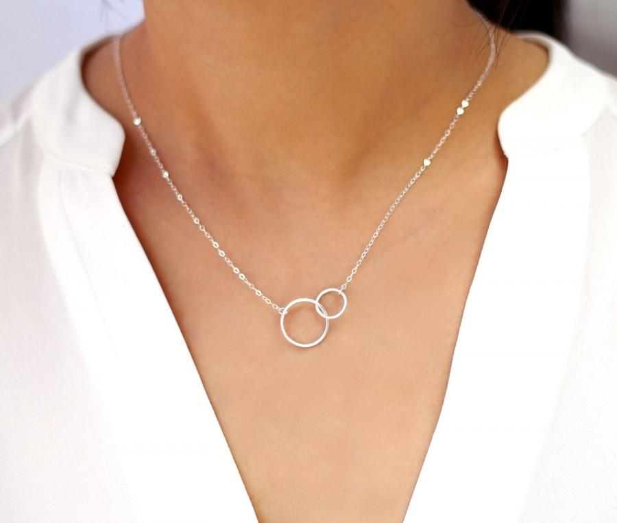 زفاف - Interlocking Circle Necklace, Double Circle Pendant Necklace, Entwined Ring Necklace, Minimalist Gift for Her, Couple Sister Necklace