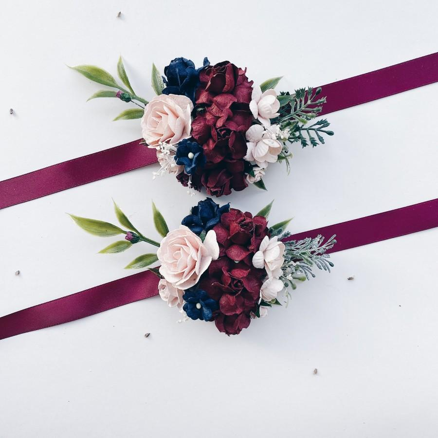 Hochzeit - Burgundy and navy flower corsage, Floral wrist corsages, Maroon wrist corsages, Bridesmaids corsages,  Wedding bracelets,  Bridal bracelet,