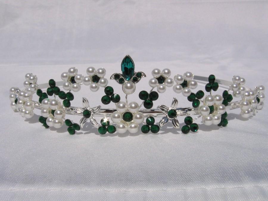 Свадьба - Unique Diadem Pearls White & Rhinestone Green-Emerald HANDMADE Blossoms Silver Bride to Wedding Crown wedding green emeragd white pearl tiara