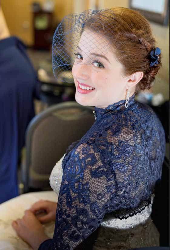 Mariage - Navy blue birdcage veil with fascinator Birdcage veil in navy blue  Bridal veil clip Wedding fascinator Wedding hair accessories Hair pin
