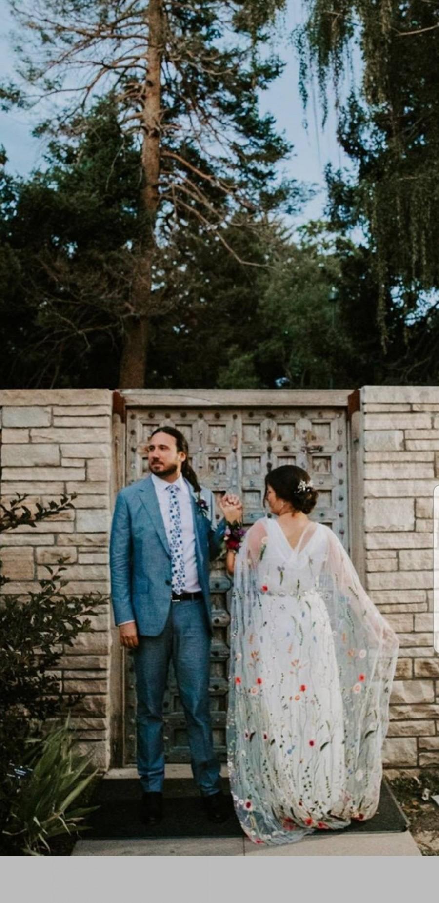 Mariage - Lennox Half Bridal Cape, Multi Colored Floral Embroidered Off-White Bridal Cape, White Cape, Chapel Length Veil