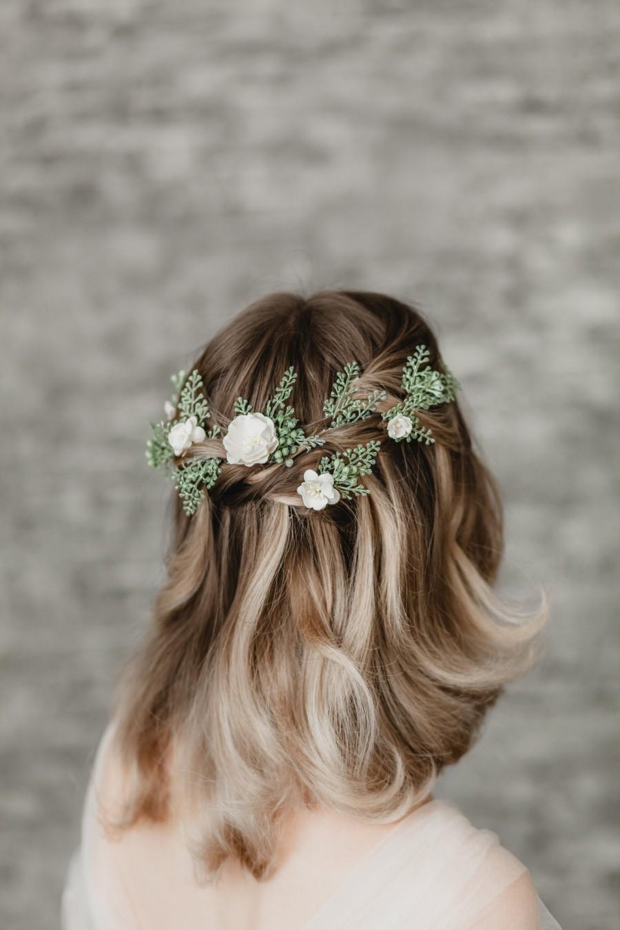 Mariage - White Blossom Flower Hair Pins Set of 10, Woodland Wedding Hair Piece, Sage Greenery Bobby Pin Hair, Floral Leaf Bridal Hair, Boho Headpiece