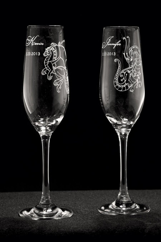 Mariage - Dragon Design Personalized Wedding Toasting Glass Set